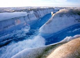 دره یخی شگفت انگیز در گرینلند