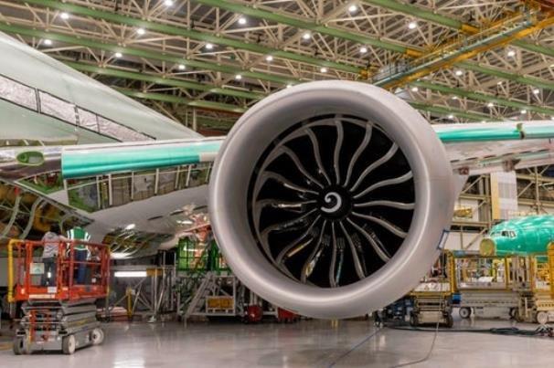 بزرگترین موتور دنیا روی هواپیمای بوئینگ نصب شد