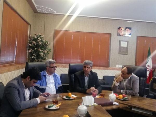 جلسه اضطراری ستاد خدمات سفر با حضور مسئولان استان های فارس و یزد ، اسکان اضطراری 10 هزار مسافر نوروزی