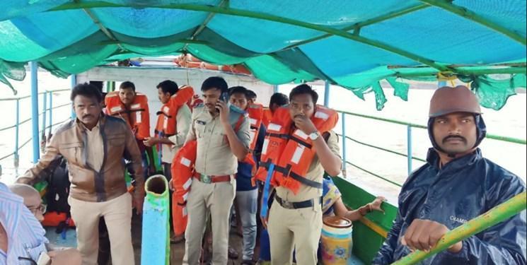واژگونی قایق گردشگران در هند با حدقل 7 کشته و 40 مفقود