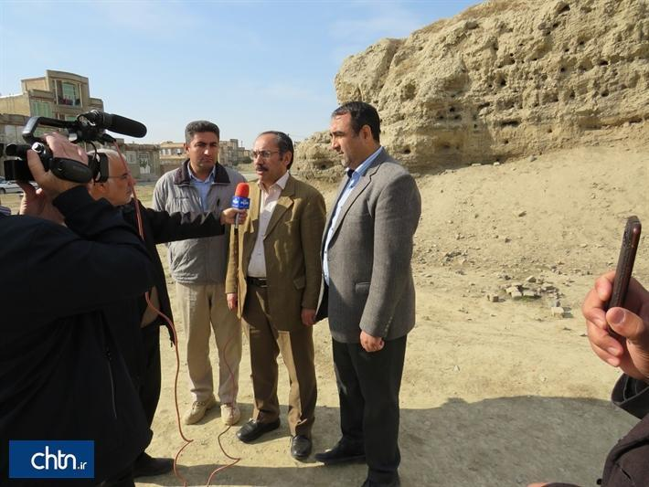 بازدید رئیس پژوهشگاه میراث فرهنگی و گردشگری از تپه اهرنجان