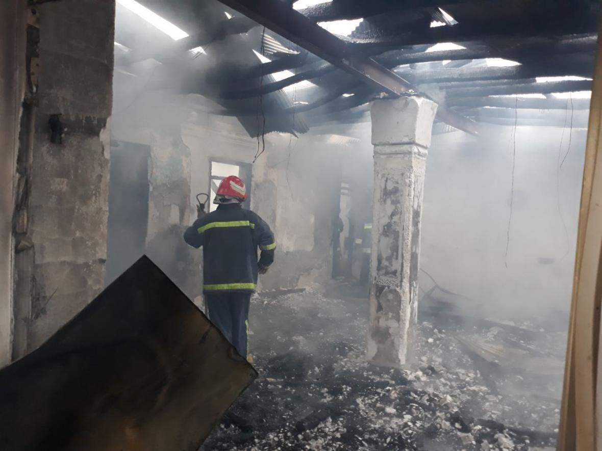 اطفاء آتش سوزی منزل در جهرم