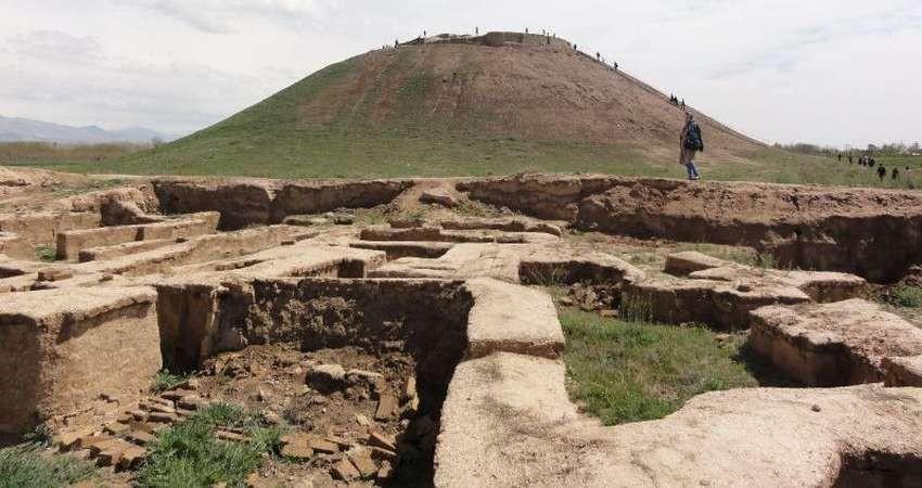 محوطه باستانی 9 هزار ساله در مسیری پر از نخاله!