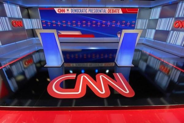 سندرز: آمریکا برای مقابله با کرونا باید از چین یاری بگیرد