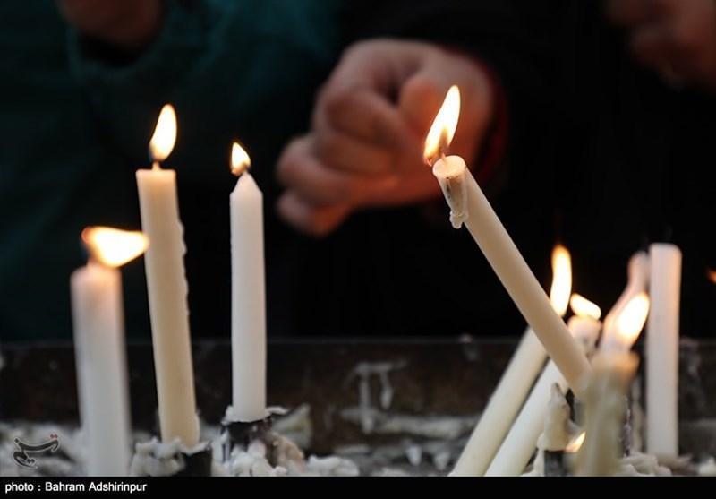 هندی ها برای نشان دادن همبستگی خود همزمان با شیوع گسترده کرونا شمع روشن می نمایند