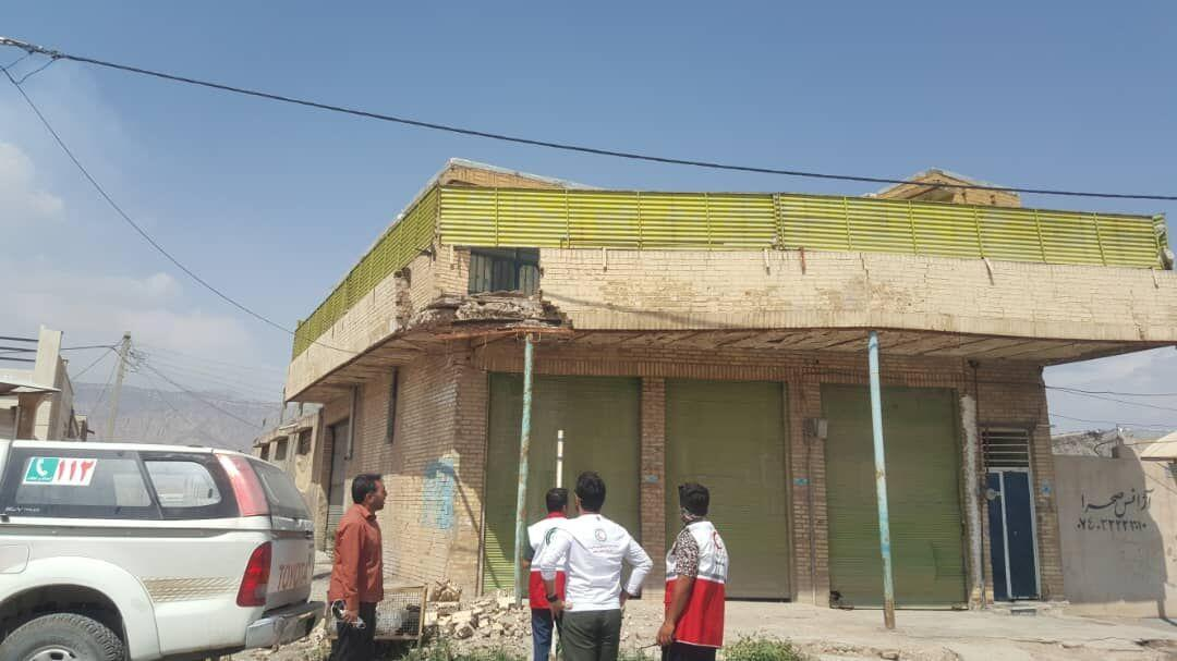 خبرنگاران 12 تیم ارزیاب هلال احمر در مناطق زلزله زده دوگنبدان مستقر شدند