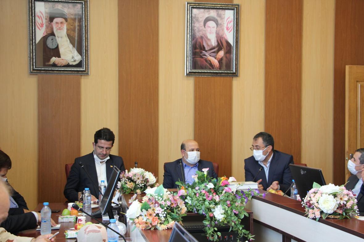 خبرنگاران سخنگوی وزارت خارجه: مناطق آزاد نقش مهمی در پیوند مالی با کشورهای همجوار دارد