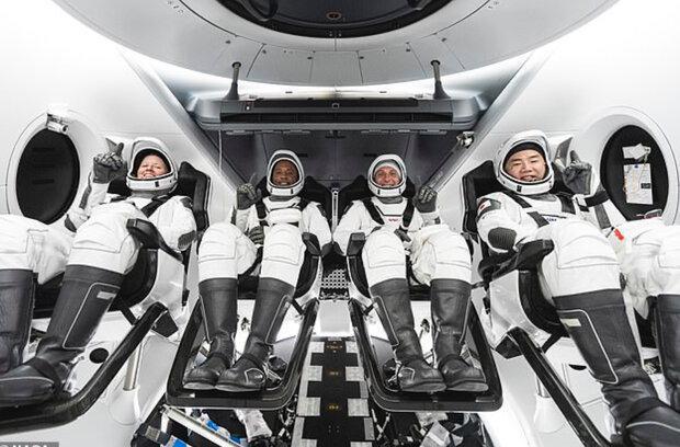 4 فضانورد با کپسول اسپیس ایکس به فضا می فرایند