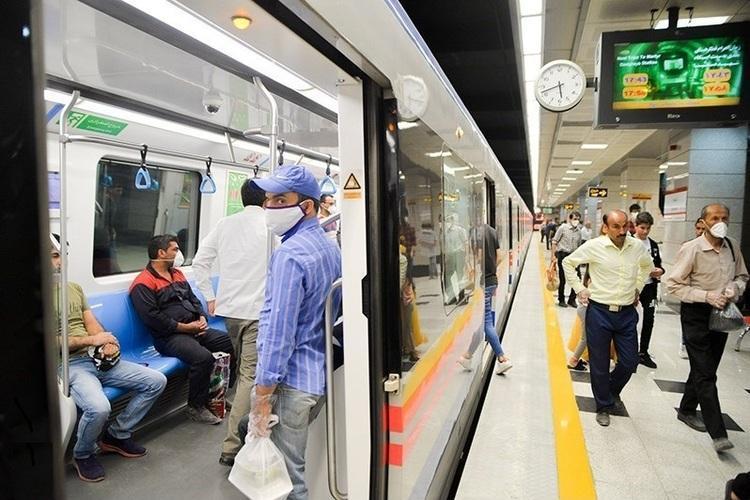 مسافران مترو تهران در موج سوم کرونا کم شدند