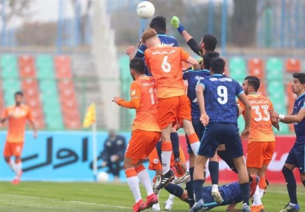 لیگ برتر فوتبال، دربی خودروسازان برنده نداشت، پیکان عیدی داد و 2 امتیازش سوخت