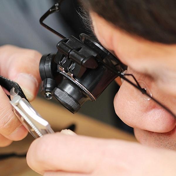 کاربرد عدسی در ساعت سازی و طلا فروشی چیست؟
