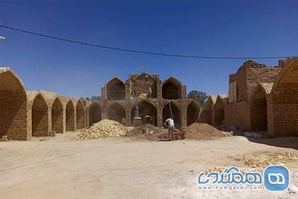 بازسازی حسینیه قلعه بهاباد آغاز شد
